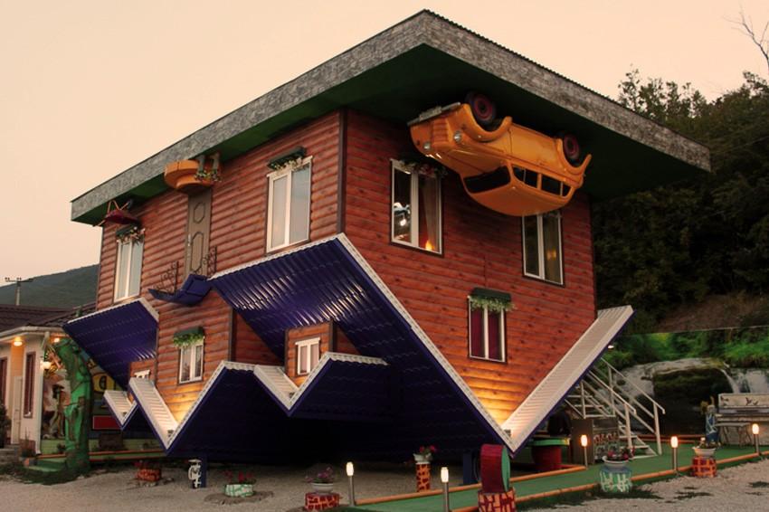 Дом вверх дном в Абрау-Дюрсо