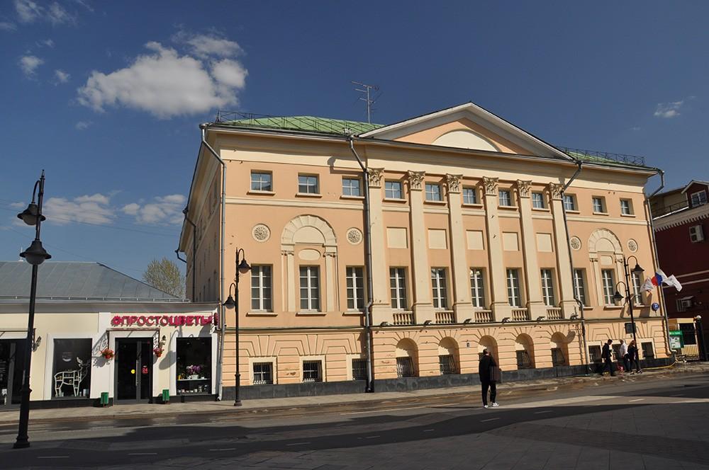 Дом, где жил Матвеев в Москве