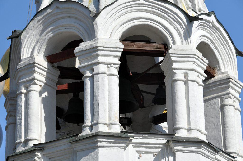 колокольня храма святителя Николы в Пыжах в Москве на Большой Ордынке.