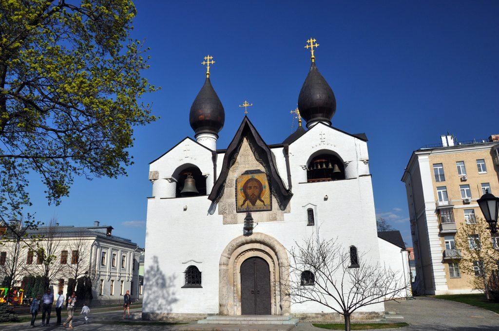 Покровский собор в Марфо-Маринской рбители в Москве3.