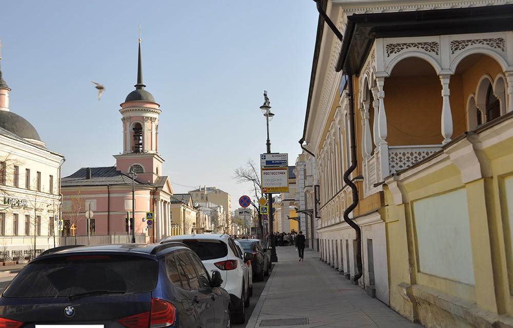 Большая Ордынка, ажурный балкон.