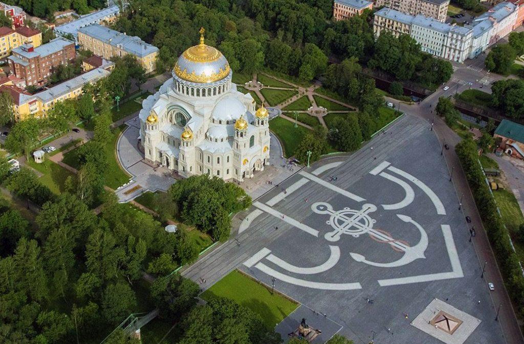 Фото Морского собора и Якорной площади в Кронштадте
