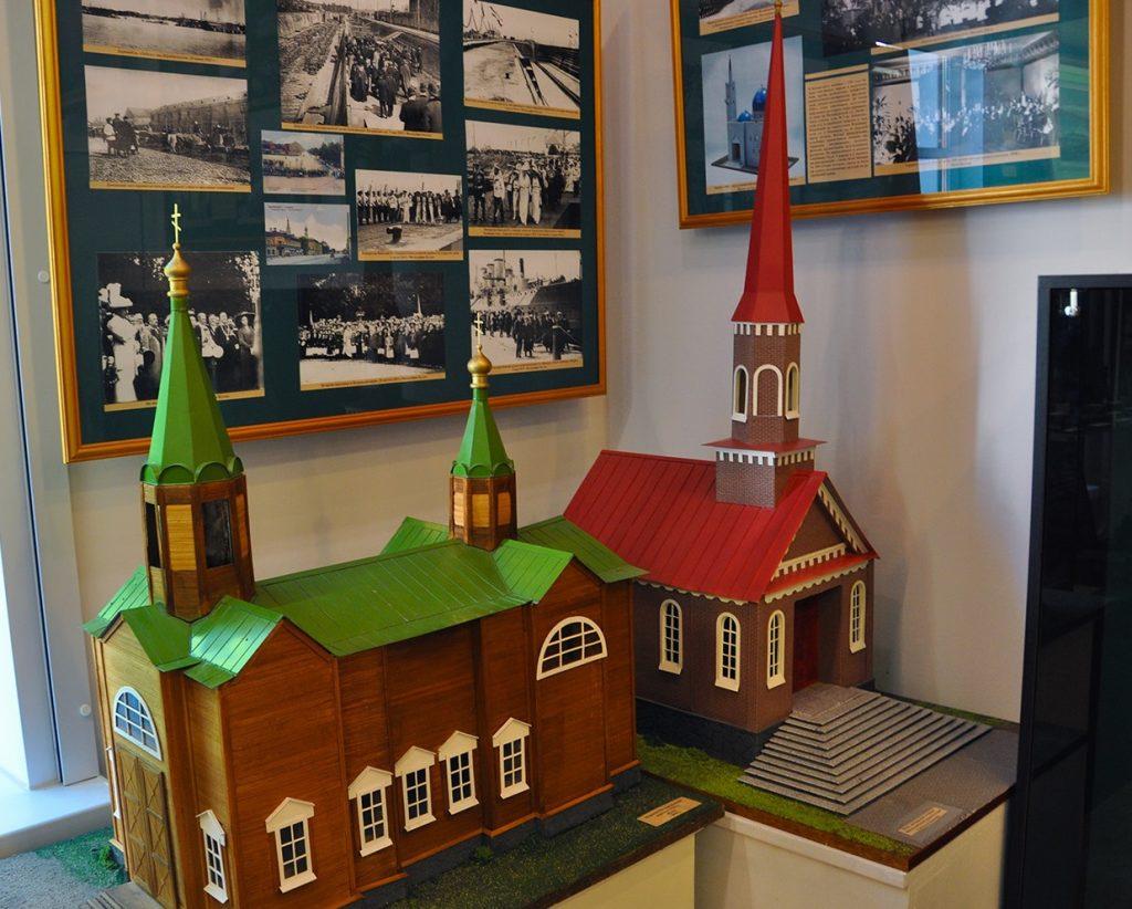 Морская Богоявленская церковь в музее истории Кронштадта в Кронштадте