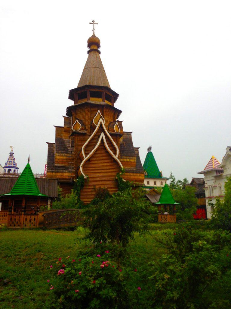Храм святителя Николая в Измайловском Кремле в Москве.