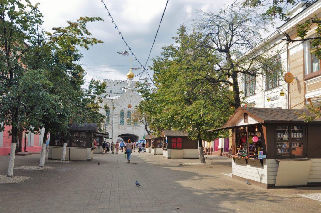Знаменская церковь и Знаменская (Власьевская) башня Земляного города в Ярославле