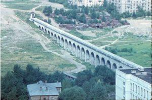 """Фото с сайта pastvu.com. """"Ростокинский акведук1970 год""""."""