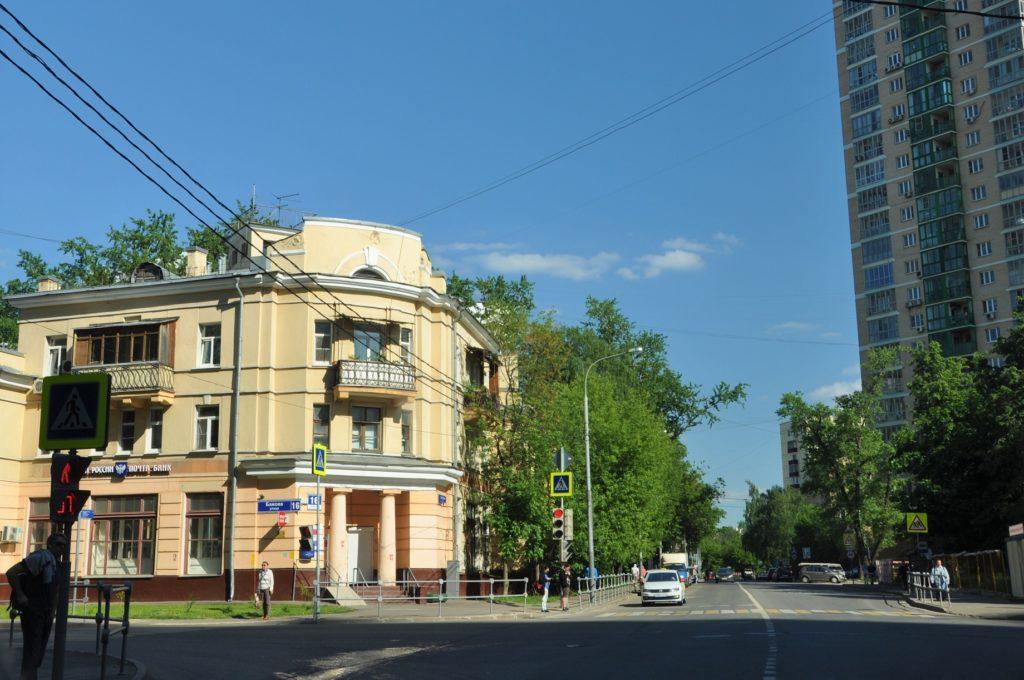 Ростокино. Улица Бажова, 16.