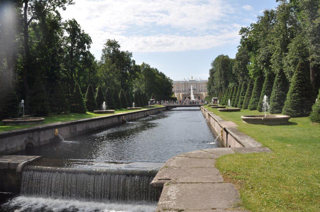 Петергофский дворец.